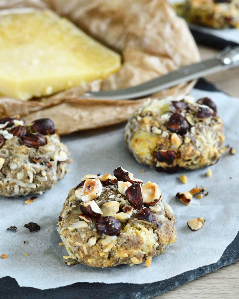 Des cookies salées qui changent de ceux que l'on connait tous, en version sucrée ! Avec du fromage et des noisettes, c'est un délice !